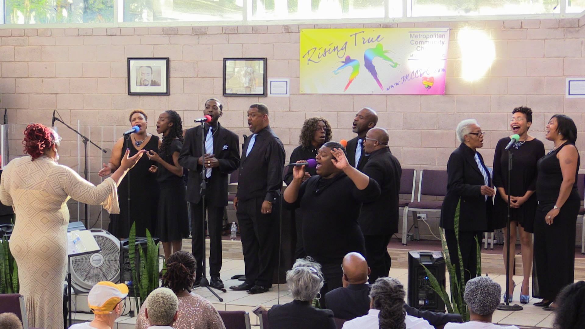 LOVE GOSPEL CHOIR-1